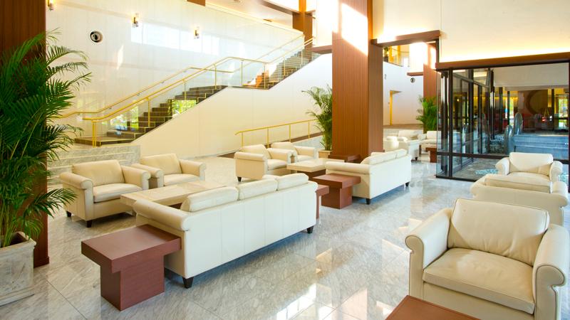 ネスタリゾート神戸のイルミネーション 「ネスタイルミナ」 ホテルロビー